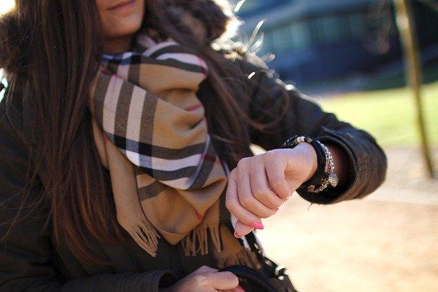 divatos nő
